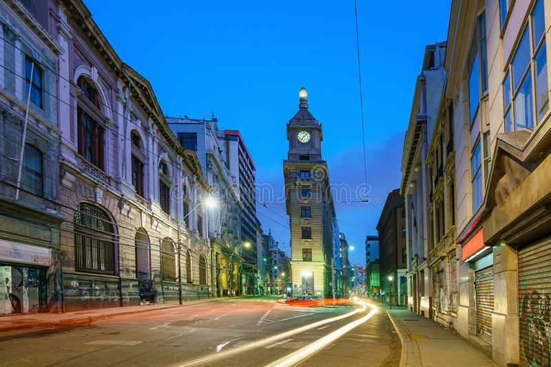 W centrum Valparaiso przy nocą w Chile fotografia royalty free
