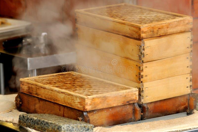 W Chińskiej restauracyjnej kuchni odparowany zbiornik fotografia stock