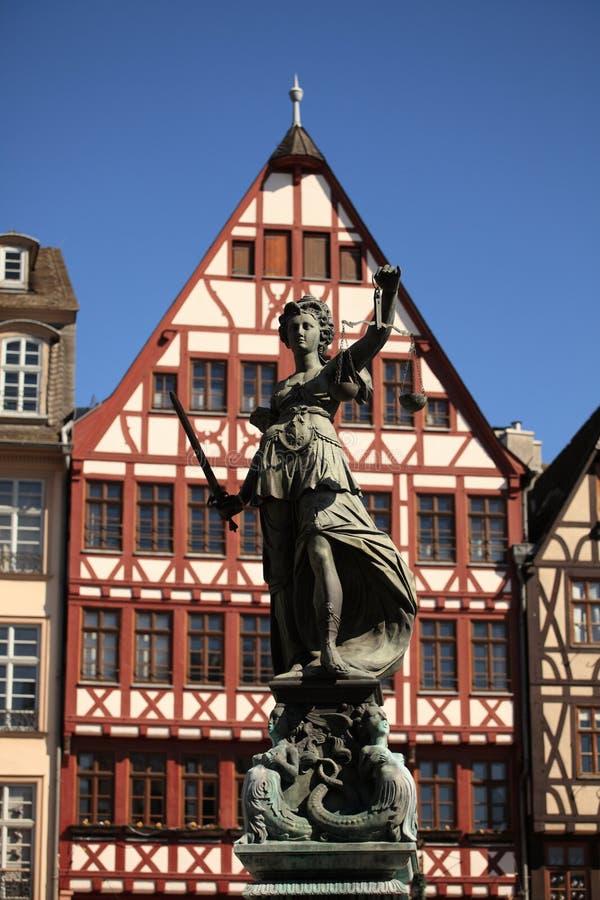 W Frankfurt damy Sprawiedliwość obraz royalty free