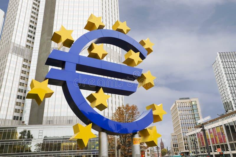 W Frankfurt euro Znak obrazy royalty free