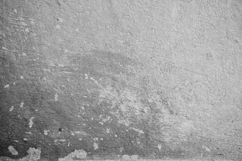W górę Białego cementu ściana strugającej farby powodować wodą i światłem słonecznym Struga ?cian? Bia?a domowa farba z czarn? pl zdjęcia stock