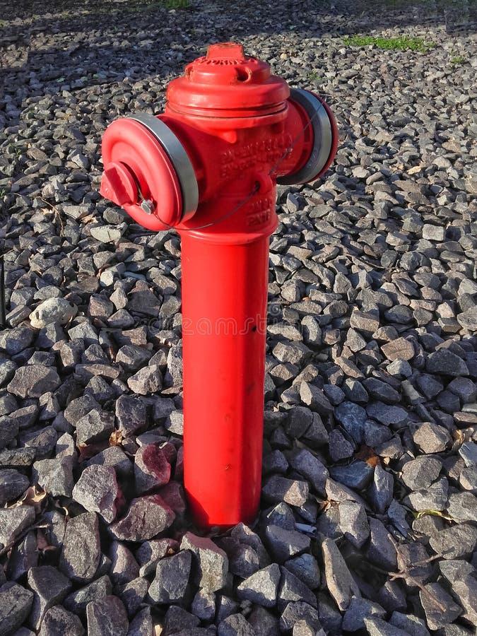 W górę czerwonego hydranta nieotwartego obrazy royalty free