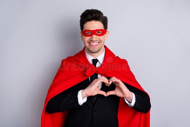 W górę portreta jego on ładny atrakcyjny z klasą rozochocony radosny facet jest ubranym jaskrawego żywego super spojrzenie stroju obrazy royalty free