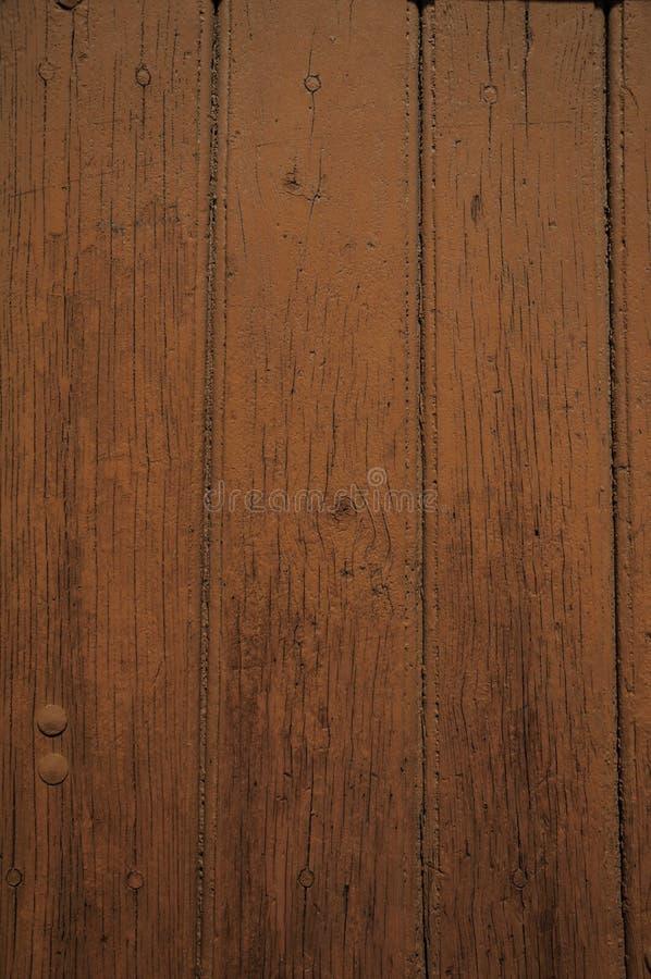 W górę przetartych desek drewno w starym brązu drzwi zdjęcie royalty free