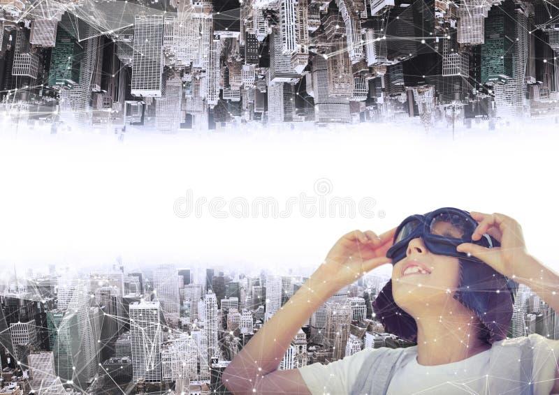 w górę strona puszka miasta chłopiec z aeronautycznym kapeluszem i szkłami zdjęcie royalty free