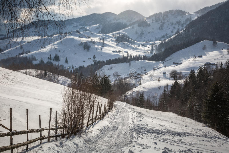 W górach wioska obrazy royalty free