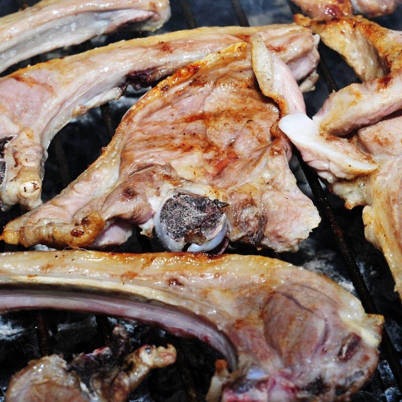 W grillu wieprzowina kotleciki zdjęcie stock