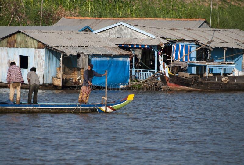 W Kambodża spławowa wioska fotografia royalty free