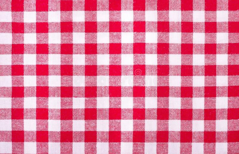 W kratkę czerwieni i bielu tablecloth zdjęcie stock