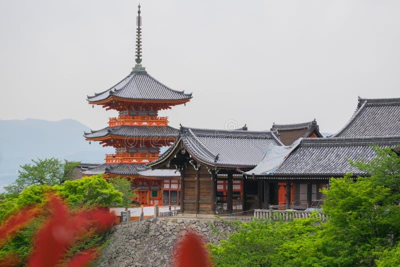 W Kyoto Kiyomizu-dera Świątynia, Japonia obrazy royalty free