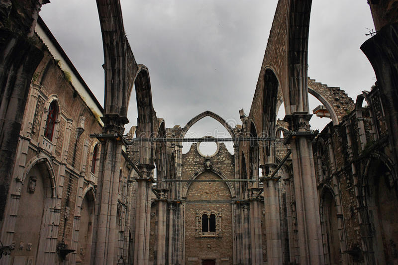 W Lisbon Carmo Klasztor, Portugalia fotografia royalty free