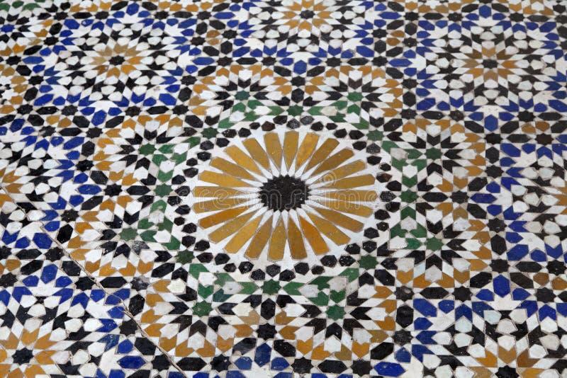 W Marrakesh mozaiki tradycyjna podłoga fotografia royalty free