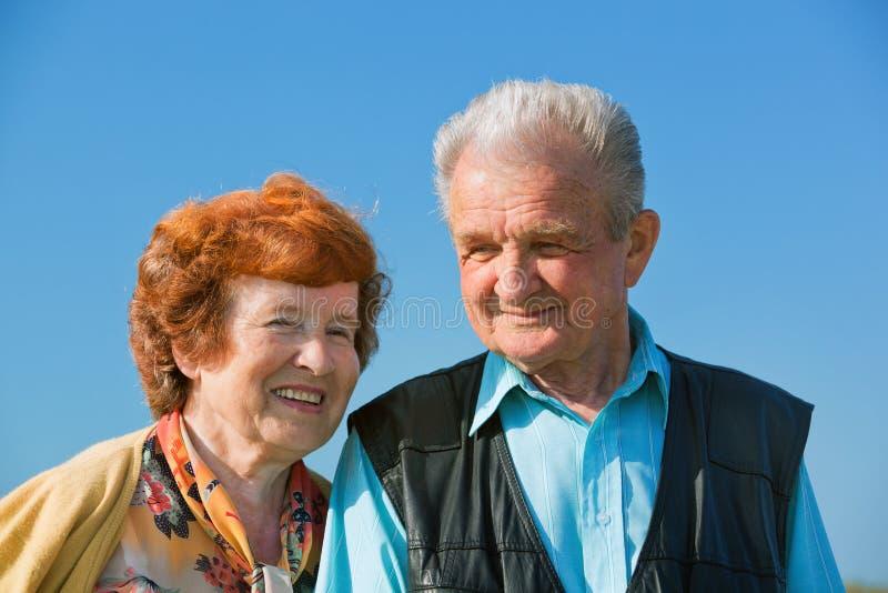 W miłości szczęśliwa starsza para zdjęcie stock