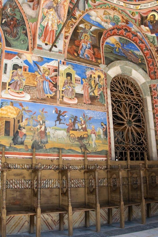 W?nde einer Kirche im Rila-Kloster, Bulgarien Religi?se Freskos auf den Bibelabhandlungen, Malereien auf der Wand stockfotos