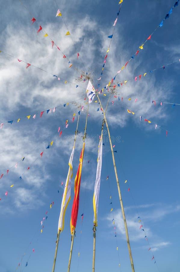 W Nepal buddyjskie modlitewne flaga zdjęcie stock