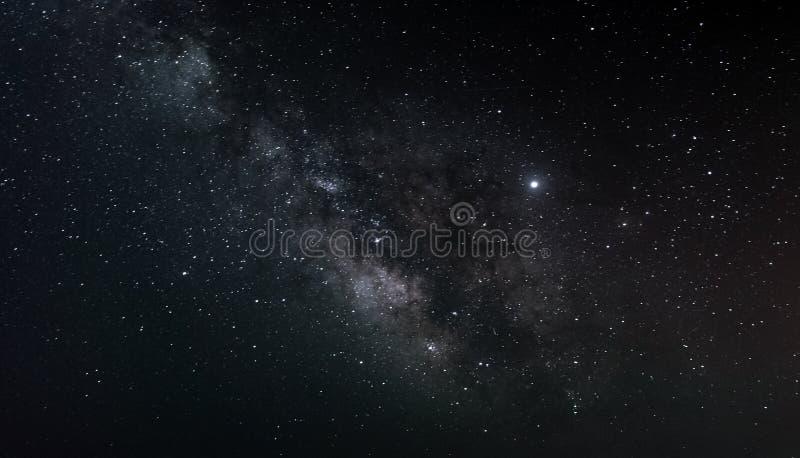 W nocnym niebie nocne niebo Spos?b fotografia royalty free