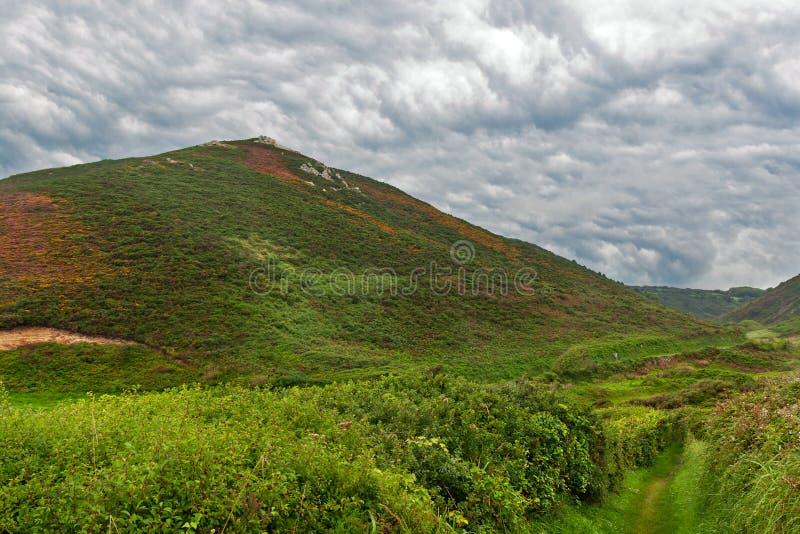 Download W Normandy Chmurny Krajobraz Obraz Stock - Obraz złożonej z sceneria, chmurny: 26556771