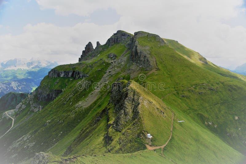 Download Włochy, Dilomites, Arabba - Zdjęcie Stock - Obraz złożonej z skała, prowincja: 106912126