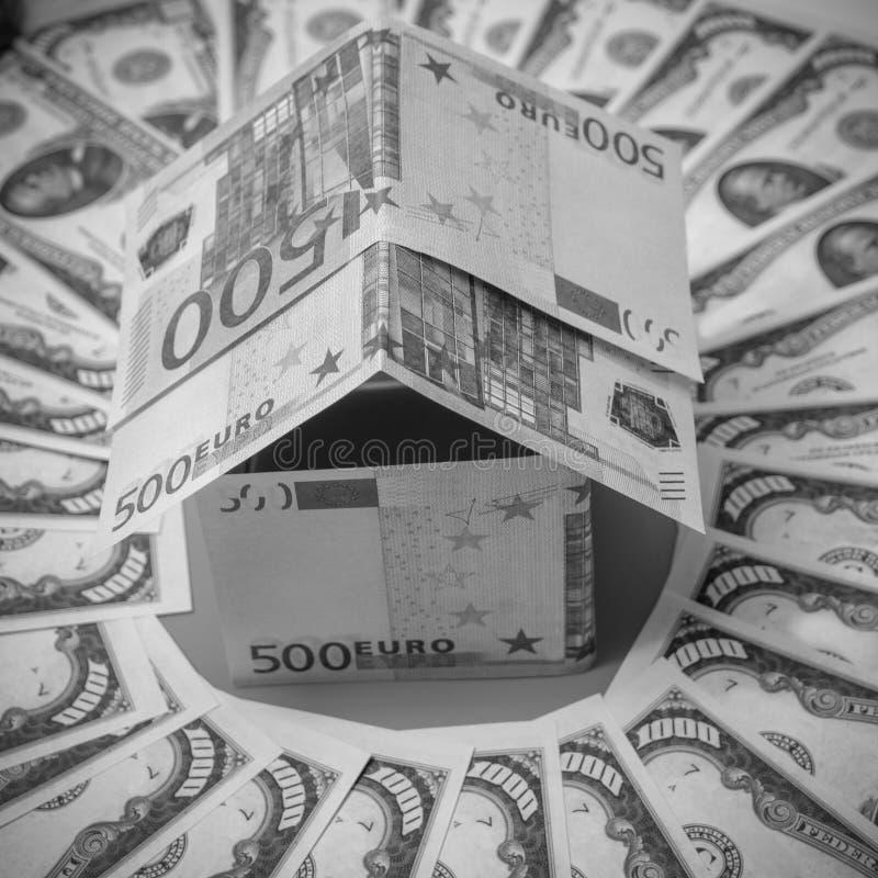 W okręgu dolar, dom robić Euro banknoty zdjęcie stock