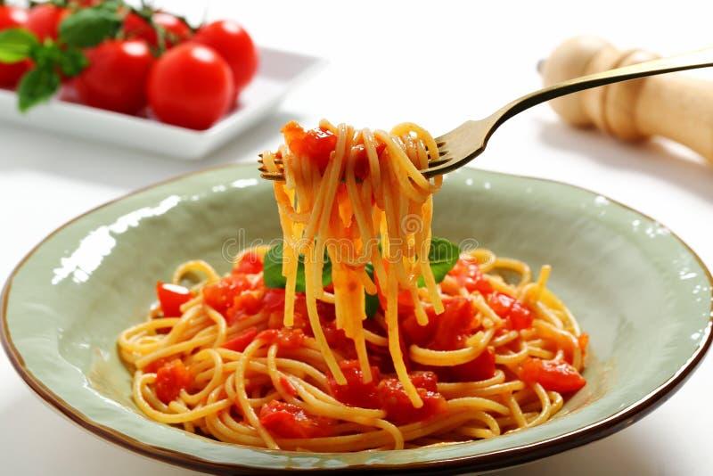 W?oskiego makaronu Pomidorowy kumberland Odizolowywaj?cy zdjęcia royalty free