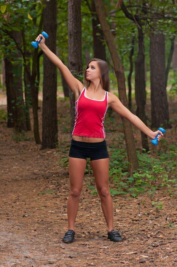 W parku ranek ćwiczenia zdjęcie stock
