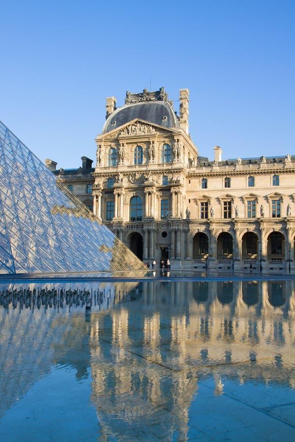 W Paryż Louvre Muzeum Sztuki obrazy royalty free