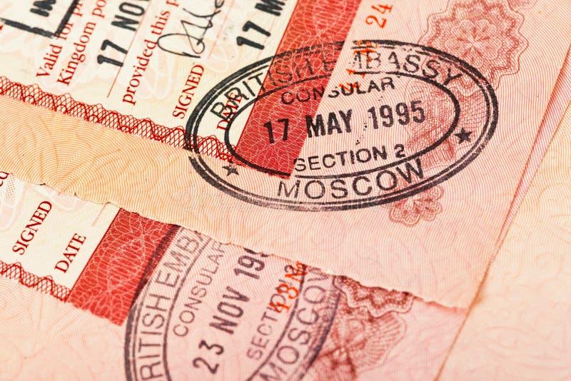W paszporcie wiza brytyjscy znaczki zdjęcia stock