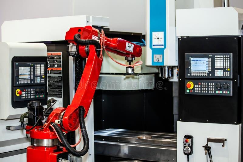 W pełni automatyzuję CNC machining obraz royalty free