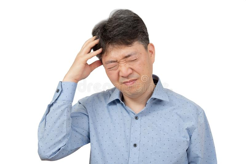 W ?rednim wieku m??czyzny cierpienie od migreny na bia?ym tle fotografia stock