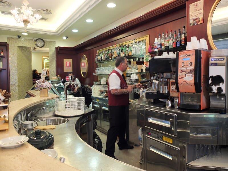 W Rzym kawa bar fotografia royalty free