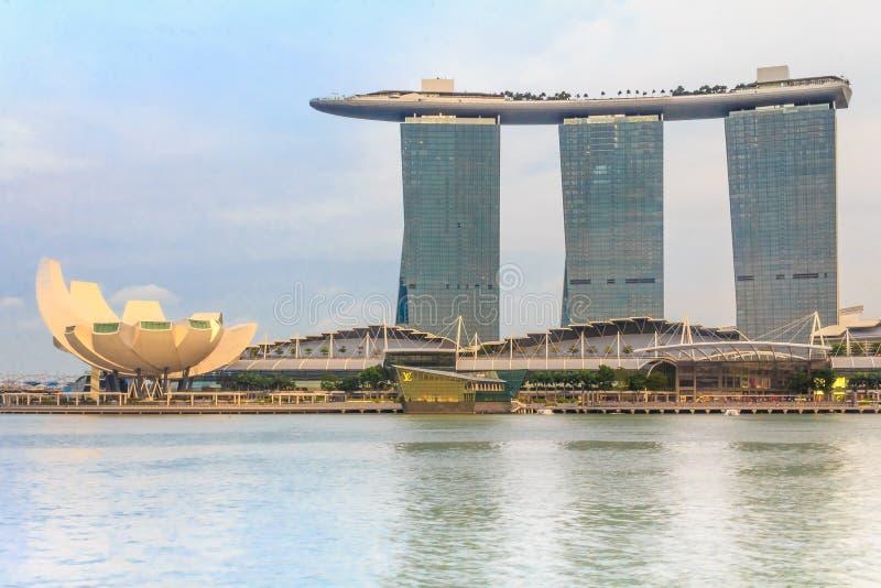 Download W Singapur Helix Most fotografia editorial. Obraz złożonej z singapur - 53775292