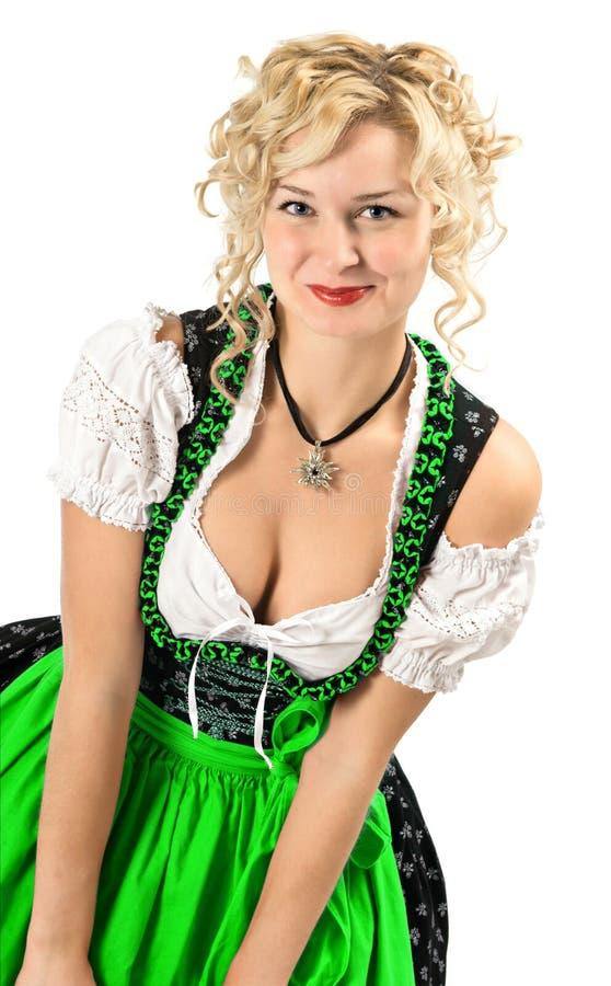 W typowej oktoberfest sukni niemiecka dziewczyna fotografia royalty free