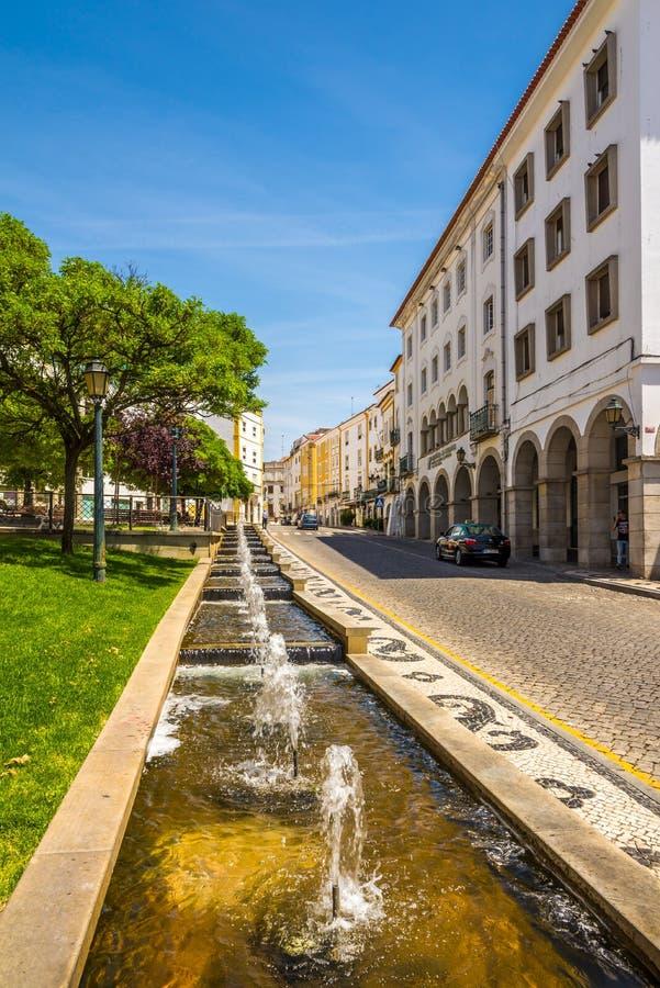 W ulicie Elvas miasto w Portugalia obraz royalty free