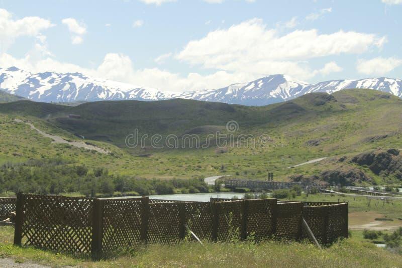 W wędrówka na Torres Del Paine Parkujący zdjęcie stock