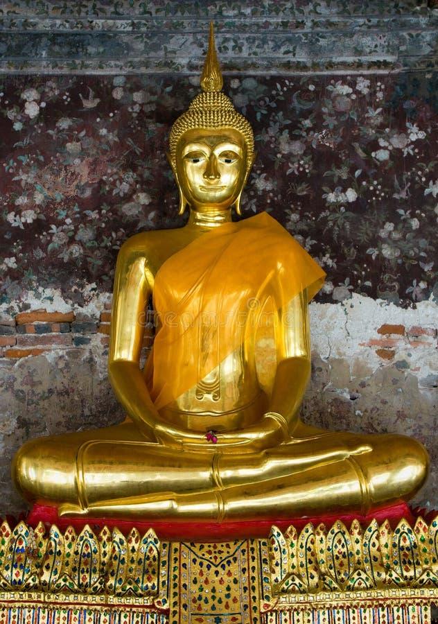 W wat sutat złoty Buddha, Bangkok fotografia royalty free