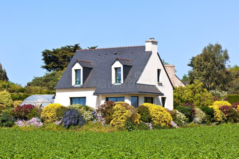 W Zachodni Francja podmiejski Dom obrazy royalty free