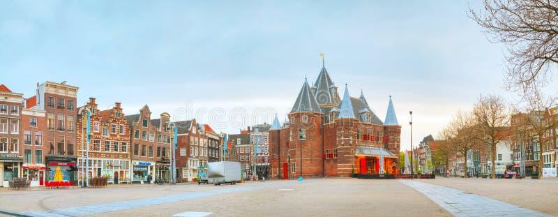 Waag (weeg huis) in Amsterdam stock foto's
