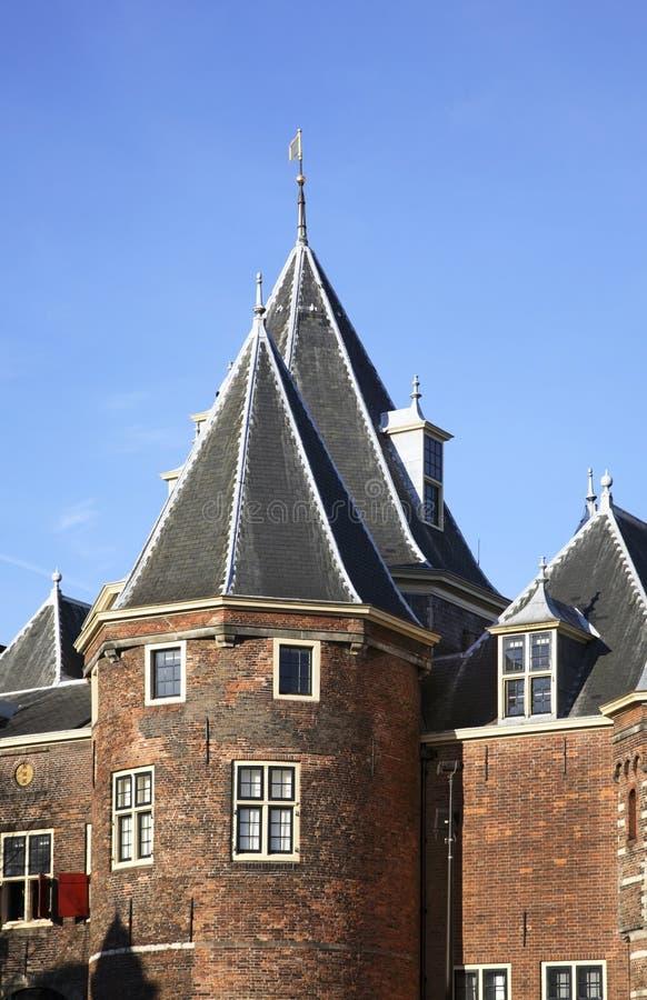 Waag (weeg huis) op Nieuwmarkt in Amsterdam nederland stock foto's
