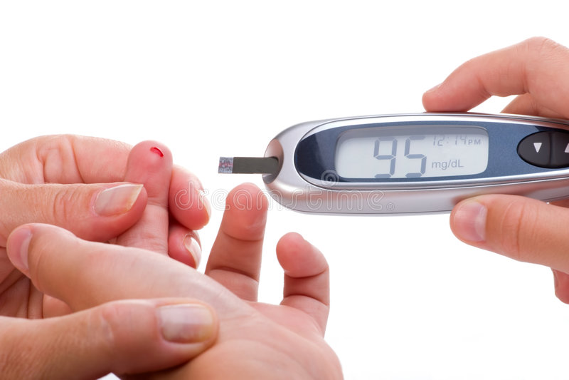 Waagerecht ausgerichtete Blutprobe der Glukose stockfotos