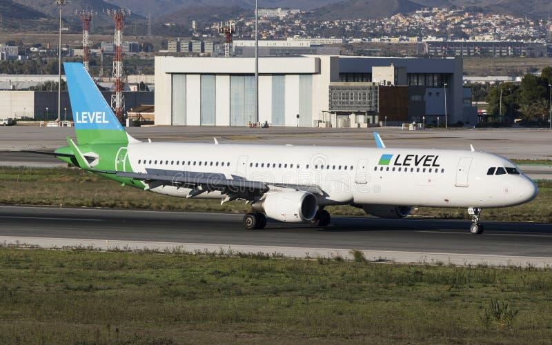 Waagerecht ausgerichtete Fluglinien Airbus a321 an MÃ-¡ laga lizenzfreie stockbilder