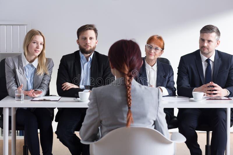 Waarom wilt u in ons bedrijf werken? stock afbeeldingen