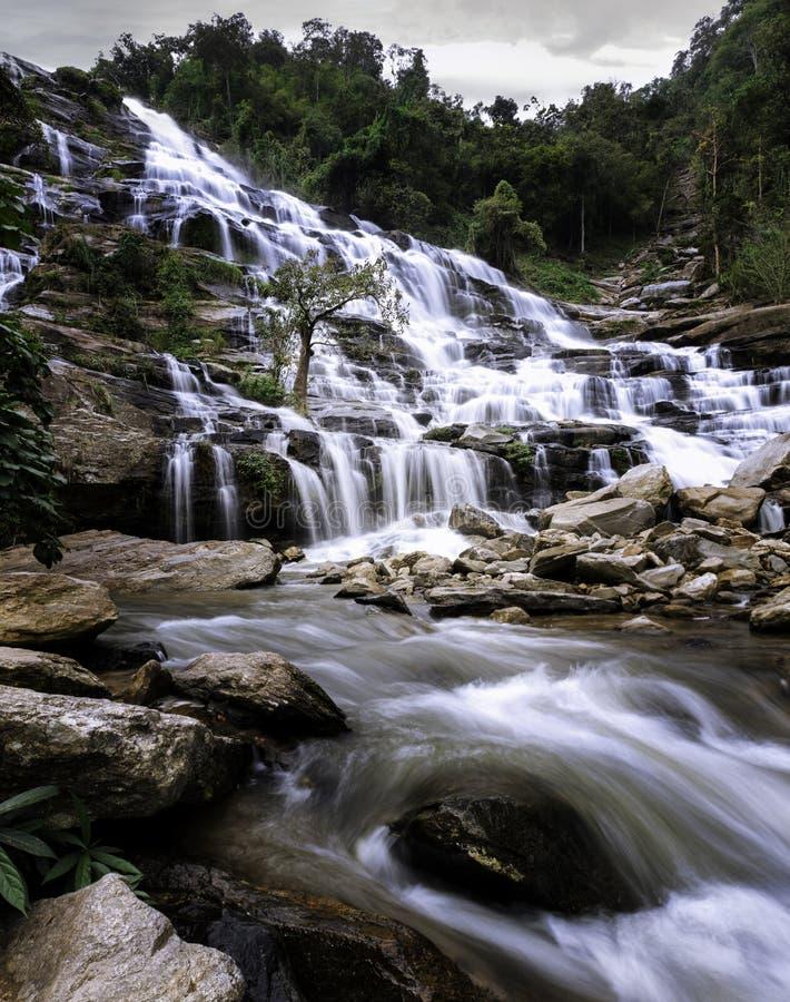 Wachirathan vattenfall Doi Inthanon Nationa arkivbild