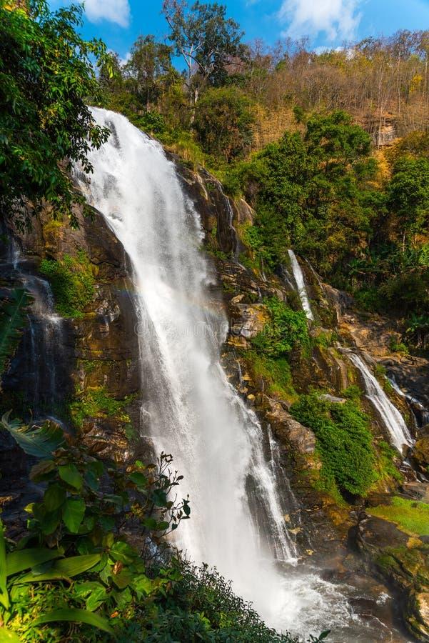 Wachirathan vattenfall, Doi Inthanon nationalpark, Chiang Mai, Thailand arkivbild