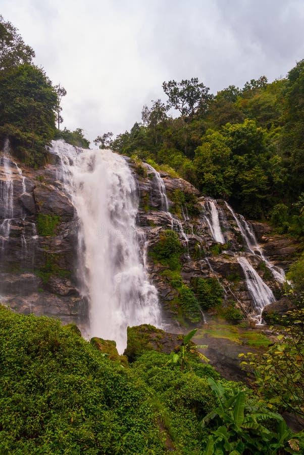 Wachirathan vattenfall, Thailand royaltyfri bild