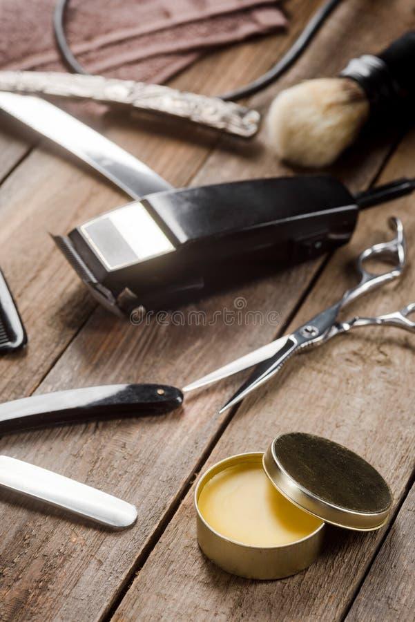 Wachs und elektrischer Scherer lizenzfreies stockfoto