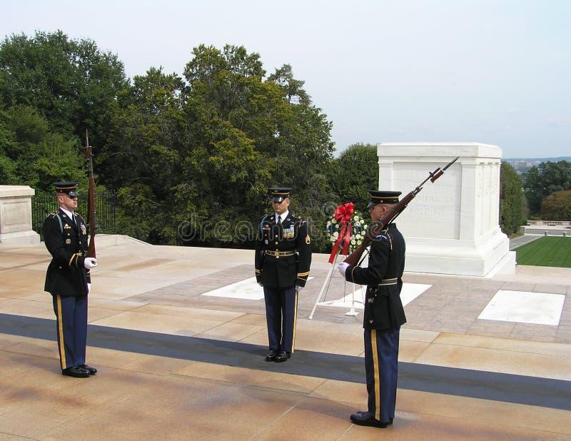Wacht van Eer bij het Graf van de Onbekende Militair, Arlington-Begraafplaats, Virginia royalty-vrije stock afbeelding