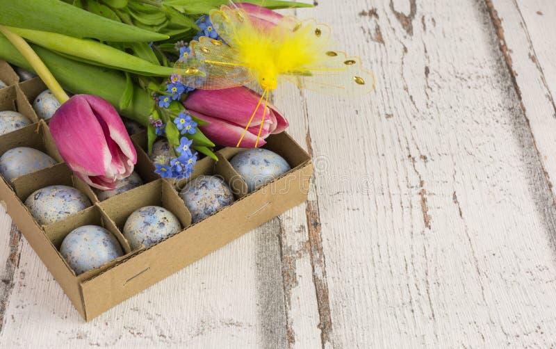 Download Wachtelei-Ostern-Dekoration Stockfoto - Bild von beige, frühling: 90234028