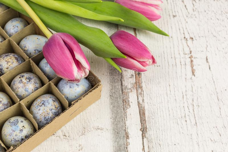Download Wachtelei-Ostern-Dekoration Stockbild - Bild von feiertag, ostern: 90235113