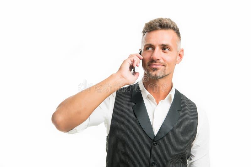 Wachtend antwoord Mobiel vraagconcept Mobiel vraaggesprek Mobiele onderhandelingen Zakenman goed verzorgde mens stock foto