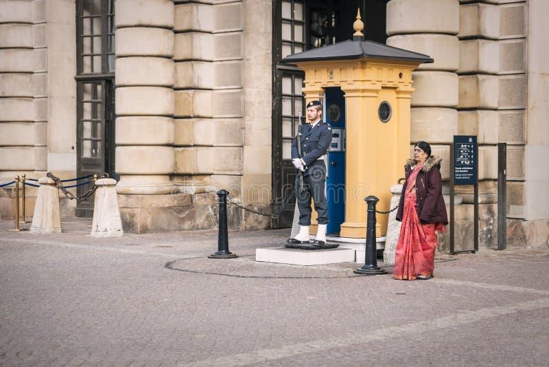 Wachttribunes op plicht bij het Koninklijke paleis in Stockholm, Zweden stock fotografie